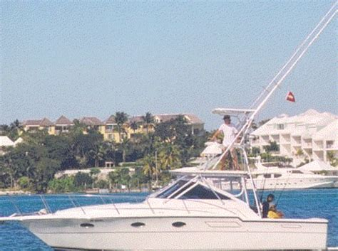 Boat Charter From Miami To Nassau by Rent A Venture 34 Cc 34 Motorboat In Nassau Bs On Sailo