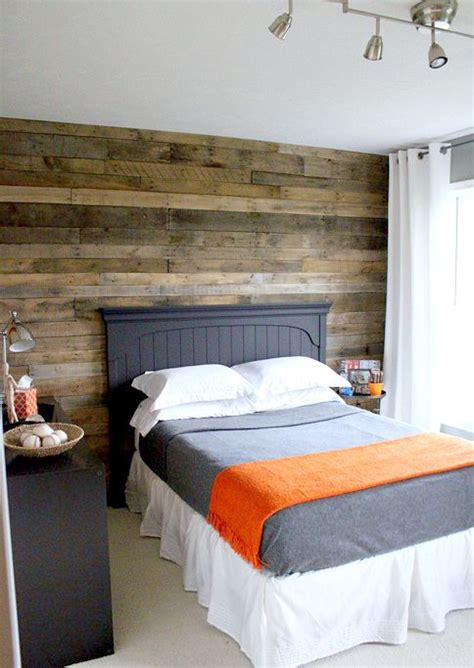 wood pallet wall      wall   bed
