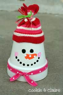 cup made into a snowman christmas crafts dump a day