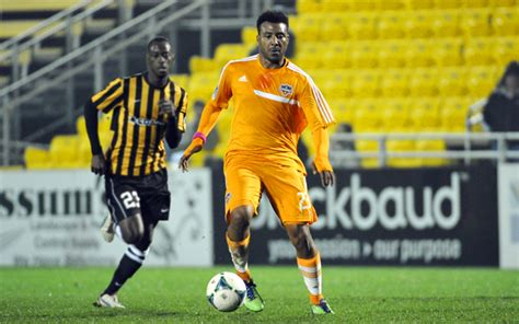 Barnes Houston Dynamo by Houston Dynamo S Giles Barnes Wins Mls Goal Of The