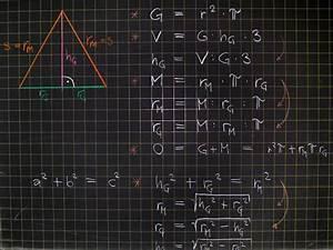 Mantelfläche Pyramide Berechnen : mathematik geometrie tafelbilder pyramide berechnungen 8500 bungen arbeitsbl tter ~ Themetempest.com Abrechnung