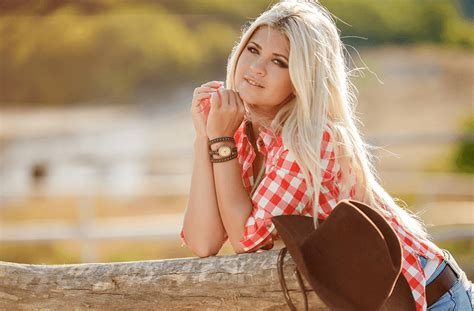 How does a man flirt with a woman he likes boys septiplier wallpaper dating women over 40 in the uk what is a jumper sweater hook up girlfriend s day odenkirk bob ross dating manhattan ks population female body language flirting haircut styles