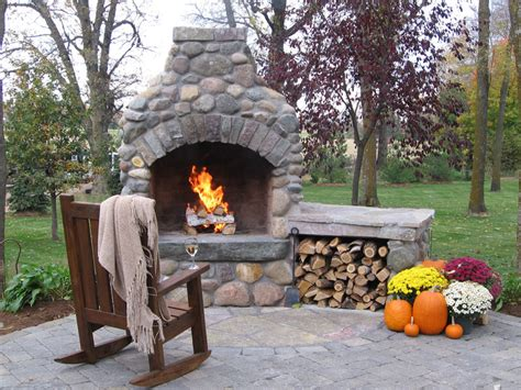 Outdoor Fireplaces, Fire Pits & Kitchens  Green Meadows Inc