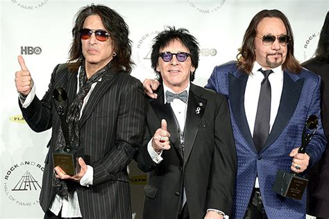 paul stanley ace  peter sold  kiss makeup rights     lot