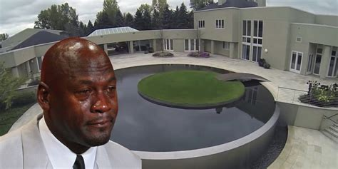Take A Tour Of Michael Jordan's House In Chicago That's