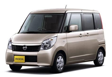Nissan Roox 04 �