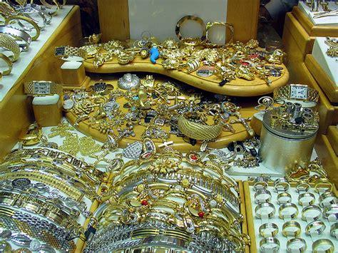 wears 625 000 in gold jewelry wedding day