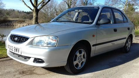 hyundai accent  gsi saloon   miles  owners