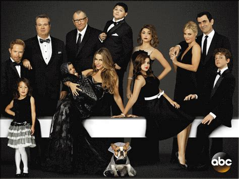 the cast of modern family modern family releases cast animation ny daily news
