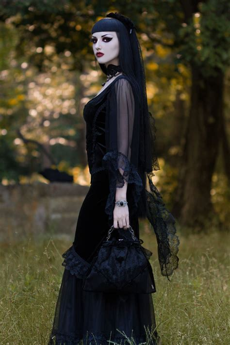 model obsidian kerttu photo john wolfrik dress
