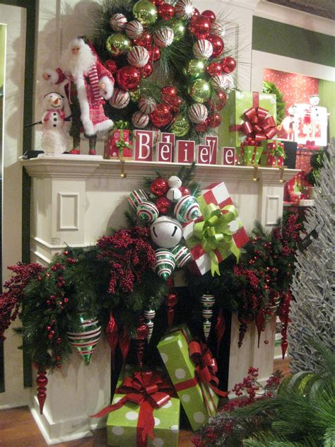 mantels dressed  christmas   link party celebrate