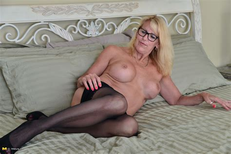 Blonde Canadian Housewife Grinding On Her Couch
