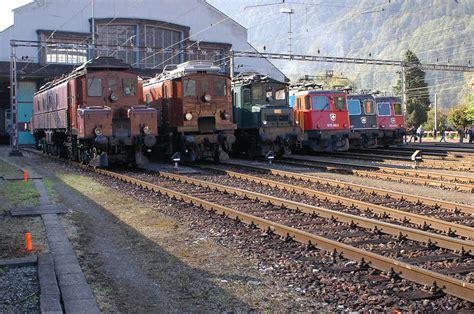 neue fensterbank auf alte alte neue lokomotiven der gotthardstrecke foto bild historische eisenbahnen 125 jahre
