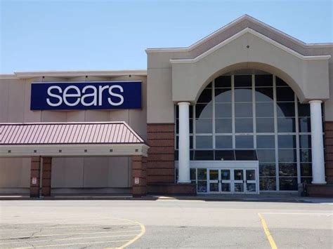 Sears Cambridge Ma by Sears And Its 12 Ma Stores Survive For Now Boston
