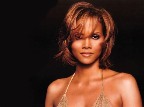 Hot Halle Berry's Wallpapers