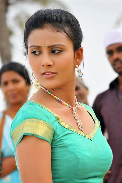 Cute South Indian Actress In Blouse Hd Wallpapers Sexy