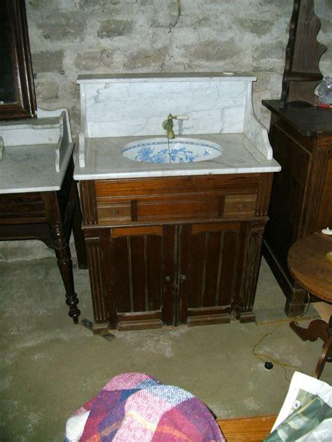 toilette avec vasque antiquites brocantes lazzarini