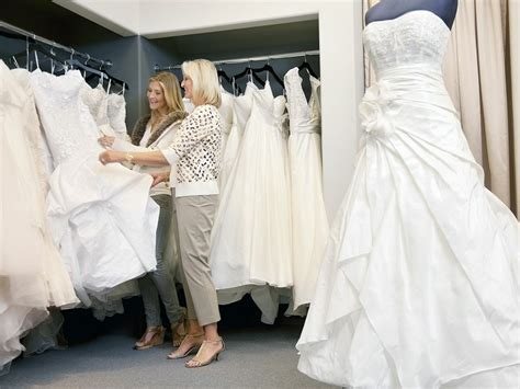 Should You Invite Your Mother in Law Wedding Dress Shopping?