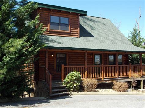 dolly homecoming pigeon forge cabin rentals