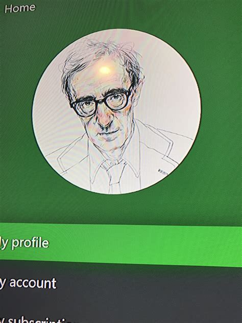 My Pfp Changed Randomly To This Guy And The Color Went To Green What Happend Xboxone