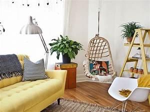 quelle deco pour un salon avec un canape jaune With tapis jaune avec guermonprez canapé