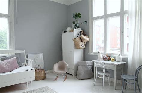 Grey Walls In The Kids Room