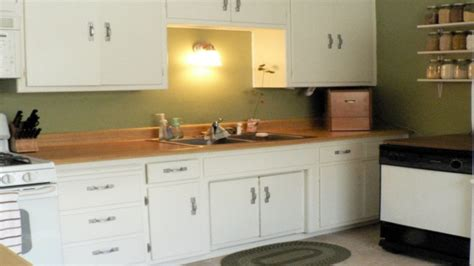 what type of paint for kitchen cabinets green painted kitchen cupboards desainrumahkeren 2165