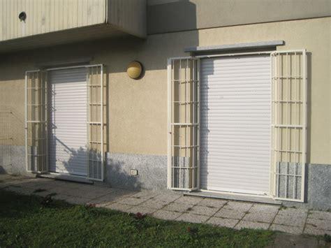 ringhiera per finestra ringhiera per porta finestra inferriate per finestre a