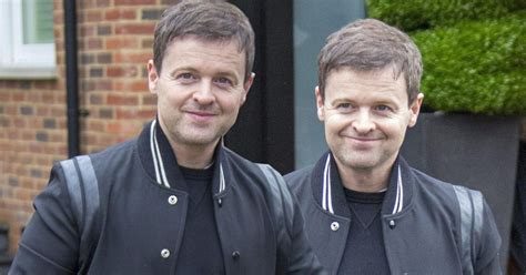 Declan Donnelly all smiles as he heads to Florida to ...