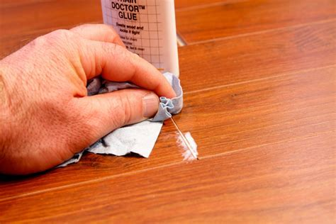 Laminate flooring afflicted with shrinkage   Toronto Star