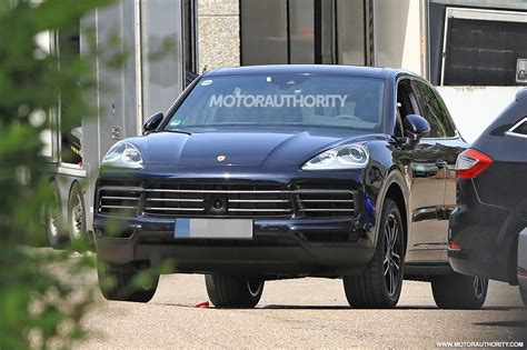 porsche cayenne spy shots  video