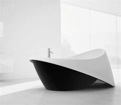Holzbadewannen Klassisch Bis Modern by Freistehende Badewanne Im Modernen Badezimmer