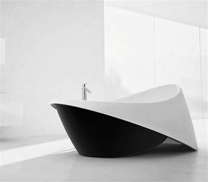 Freistehende Badewanne Im Schlafzimmer : freistehende badewanne im modernen badezimmer ~ Bigdaddyawards.com Haus und Dekorationen
