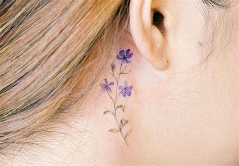 Tatouage Derrière L'oreille Coloré  20 Idées De Tatouages