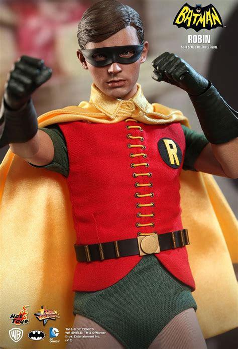 hot toys batman robin