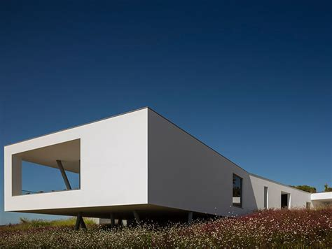 portuguese architecture    modern zauia house