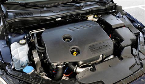 moteur volvo v40 essai volvo v40 cross country d4 revue et corrig 233 e speedfans