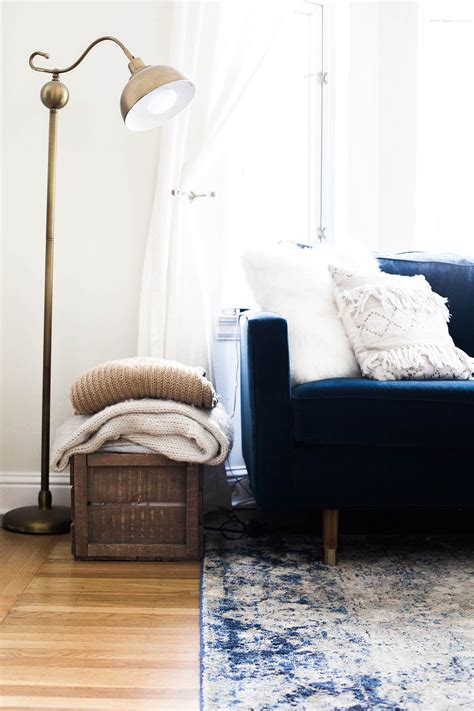 Studio Apartment Sofa by A Tour Of My San Francisco Studio Apartment Decorate
