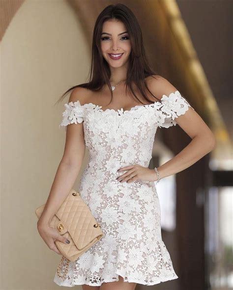 a imagem pode conter 1 pessoa em p 233 carol in 2019 dresses prom dresses formal dresses