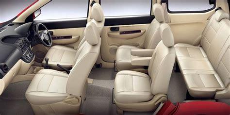 book  toyota innova car  delhi luxury toyota