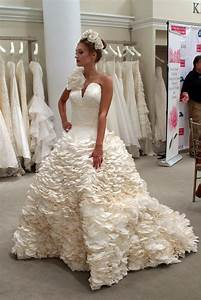 Photo gallery 11th annual toilet paper wedding dress for Toilet paper wedding dress contest