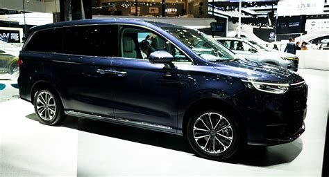 Roewe iMax 8 Shows Minivans Are Alive And Well In China ...