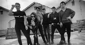 Inxs Full Official Chart History Official Charts Company