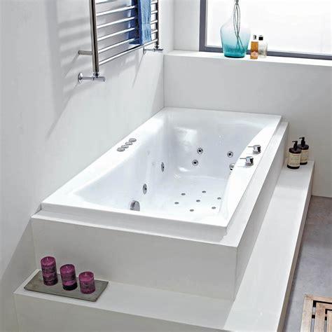 Small Whirlpool Bath by Cassiopeia 28 Jet Whirlpool Bath 2 Sizes