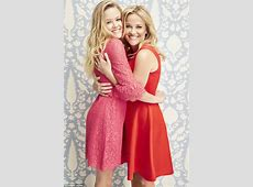 Reese Witherspoon and Ava Phillippe pose for Draper James
