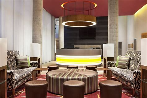 bid hotel room starwood takeover anbang raises offer to upset marriott