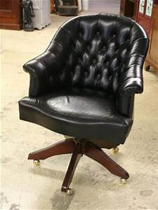 Fauteuil Style Anglais : chaise de bureau chesterfield ~ Teatrodelosmanantiales.com Idées de Décoration