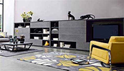 canapé en cuir contemporain roche bobois salon blanc et noir réussi avec ou sans éclats de couleurs