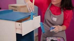 Peindre Un Mur Deja Peint Sans Poncer : vid o comment peindre un meuble en bois brut sur ~ Dailycaller-alerts.com Idées de Décoration