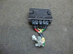 76 Honda Gl1000 Gl 1000 Goldwing Rectifier  9898